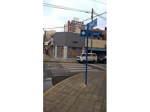ALQUILO M.Moreno esq. A.Ferreira. Local y/o oficina ZONA MUY CÉNTRICA DE CASEROS