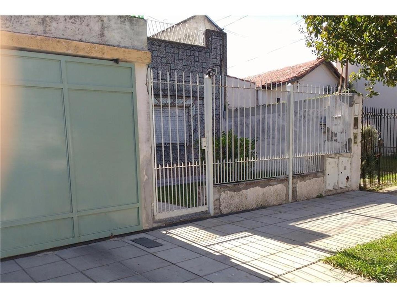 APTO CREDITO Casa de 3 amb c/ garaje y Depto