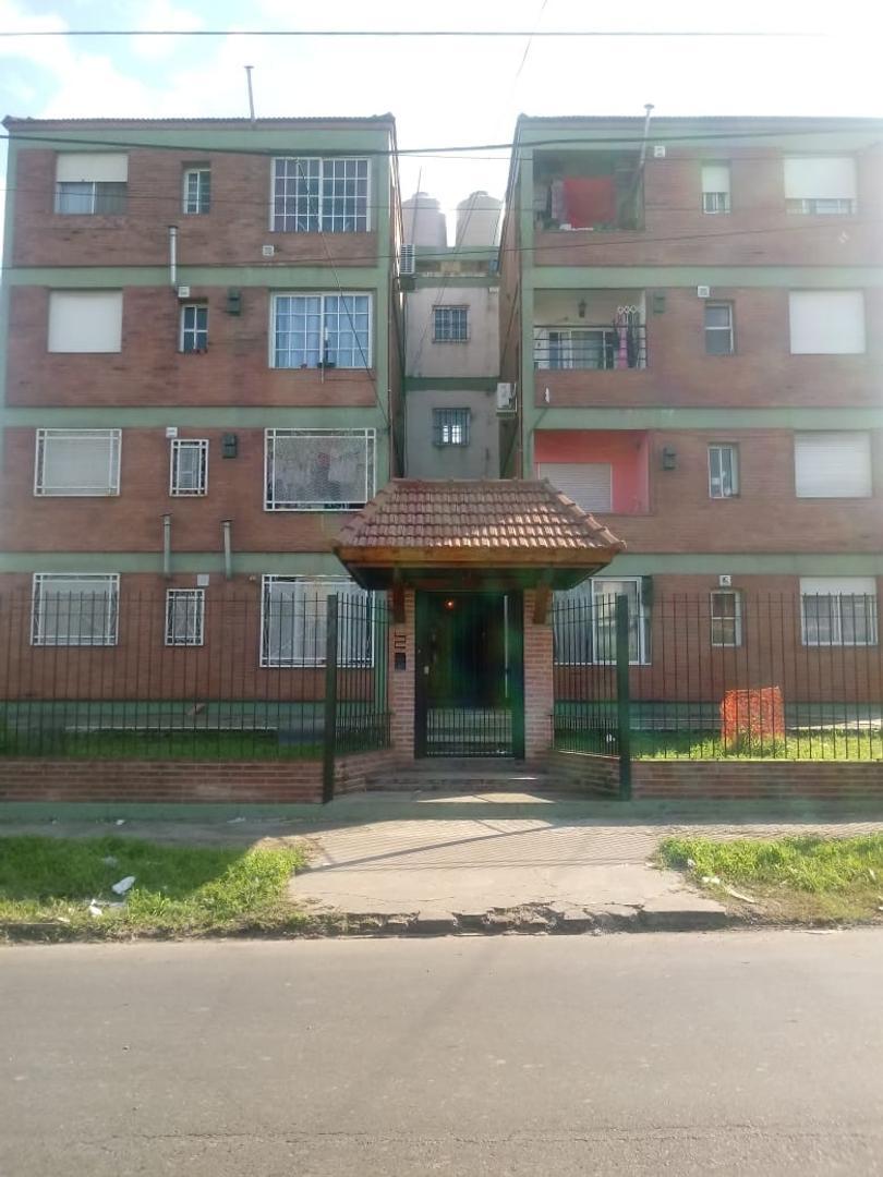 Departamento en Venta en Villa Celina - 4 ambientes