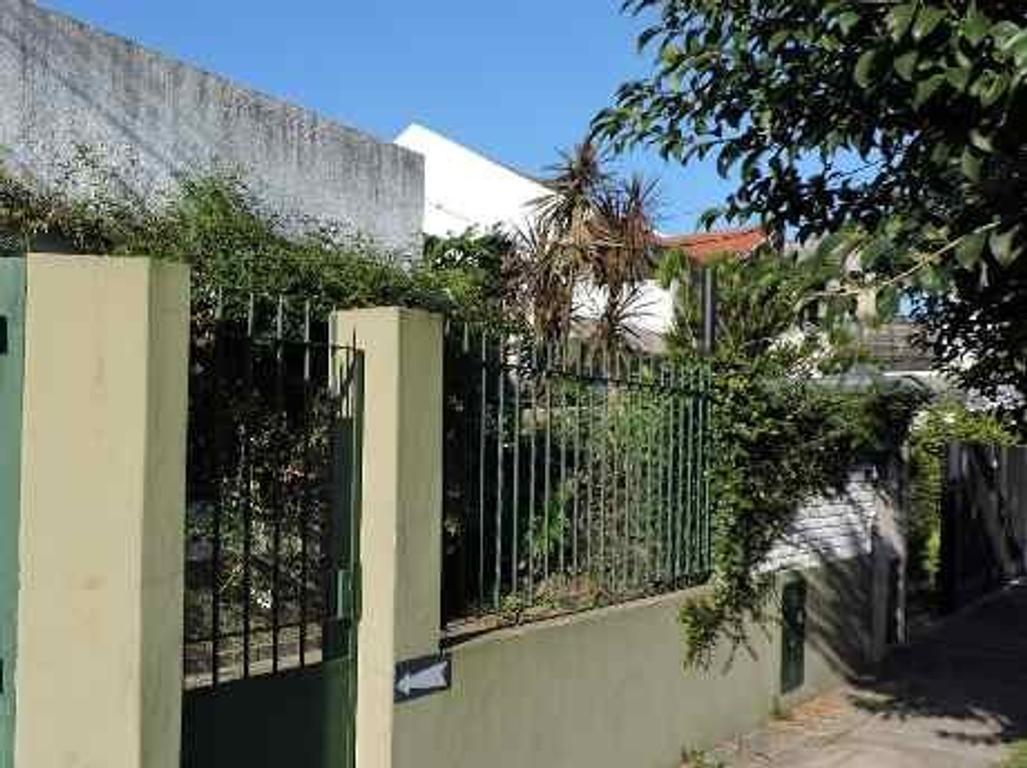 Casa de 3 ambientes en venta en Quilmes Oeste