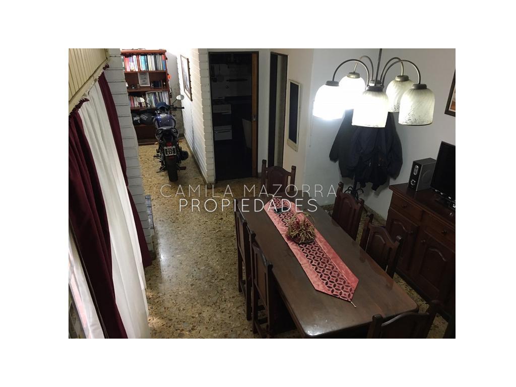 Casa tipo PH en VENTA- Caseros