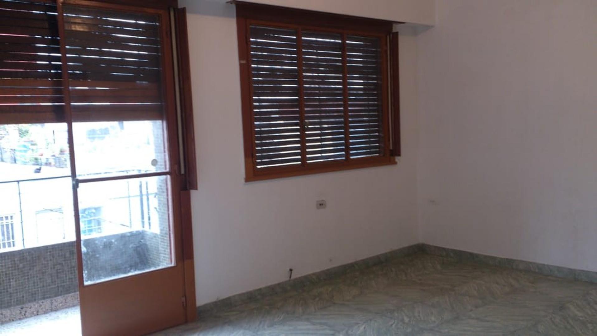 Ph en Alquiler en Villa Maipu - 2 ambientes