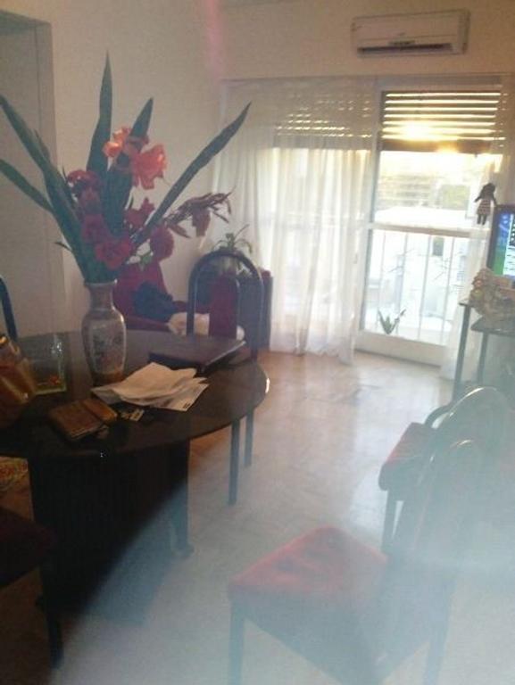 3 ambientes  luminoso con cochera, cocina y lavadero independiente !!!! RETAZADO!!!! OPORTUNIDAD