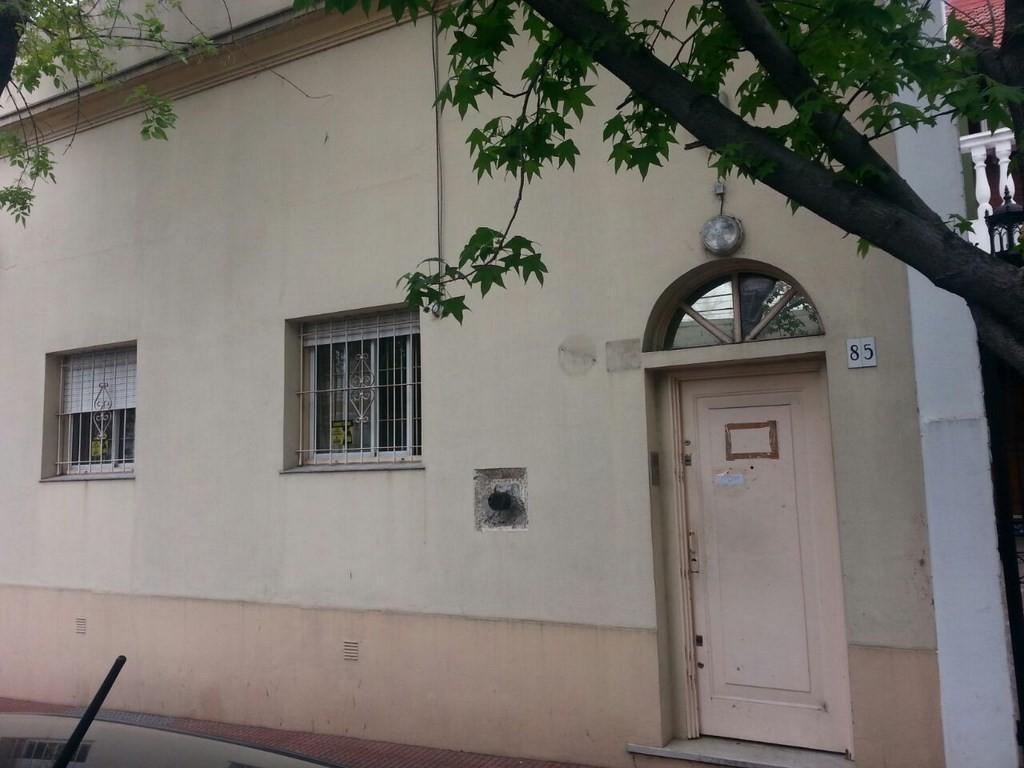 Casa en venta de 4 ambientes sobre Anchoris y Av. Caseros