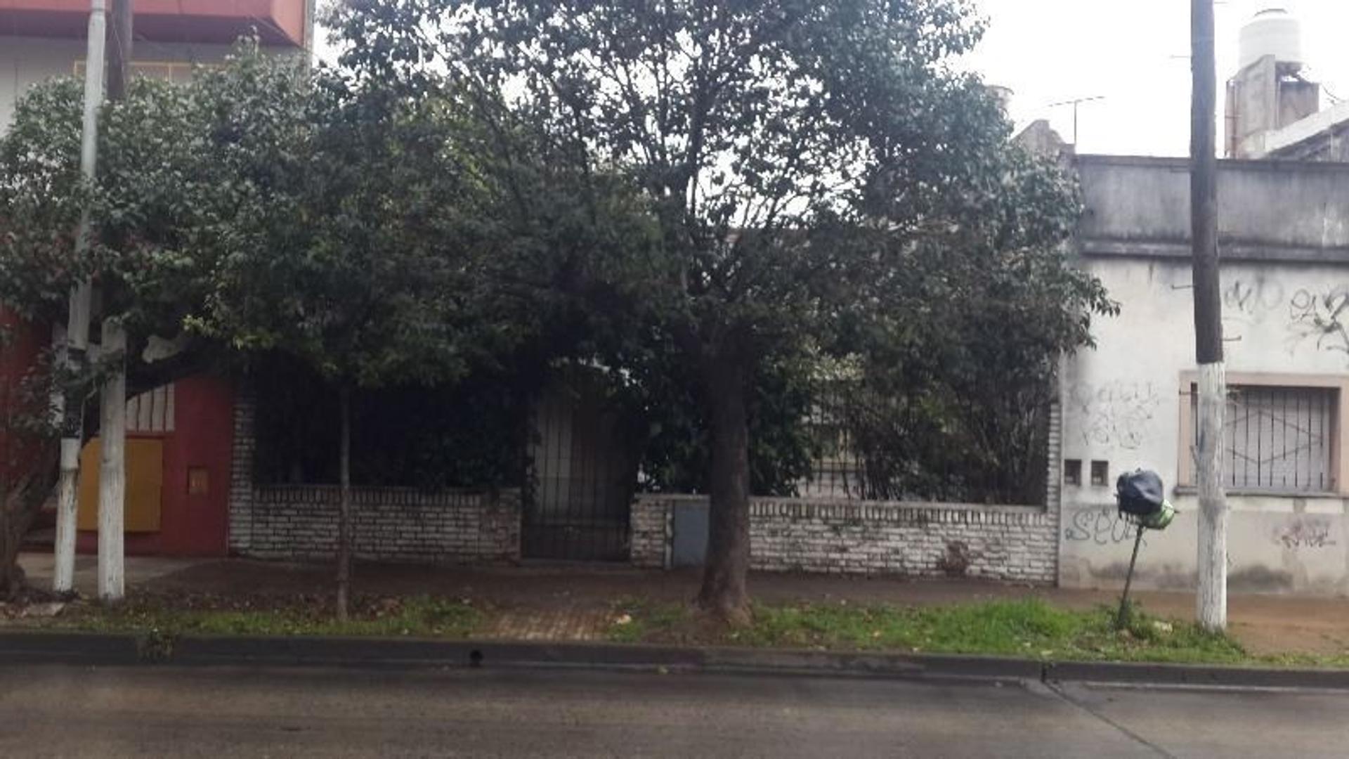 CASA 3amb terreno proprio Moreno 5000 centro CASEROS - TRES DE FEBRERO,