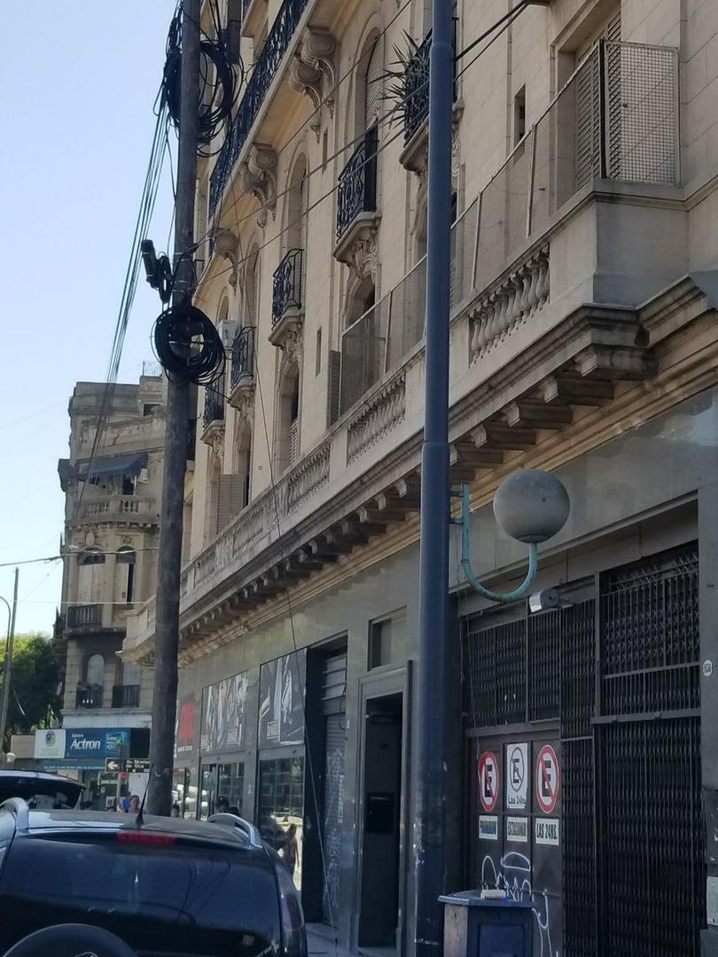 XINTEL(MKS-MKS-1996) Departamento - Venta - Argentina, Capital Federal - Av. CASEROS  AL 1000