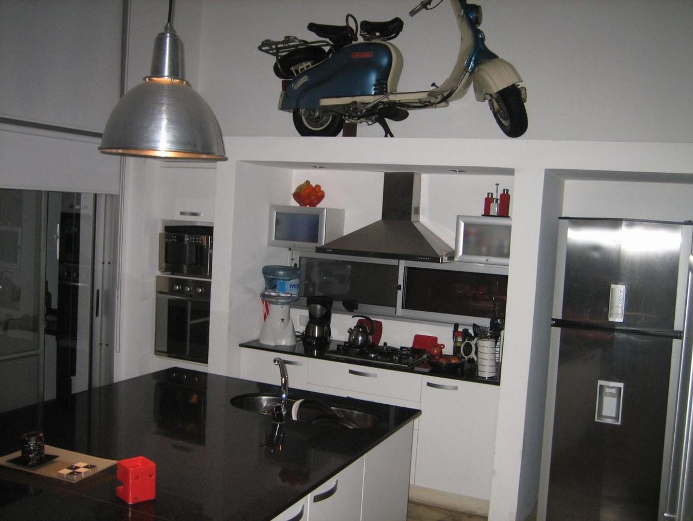 Casa - 300 m² | 3 dormitorios | A estrenar