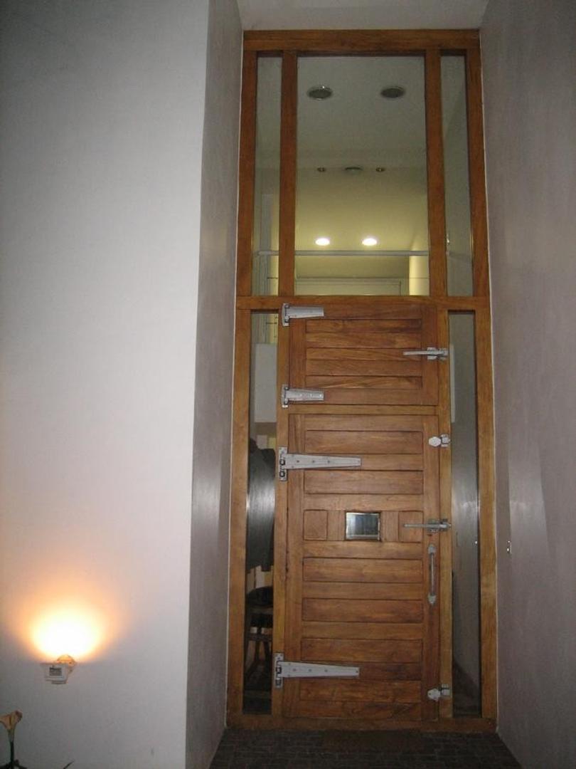 Casa en Venta - 4 ambientes - USD 370.000