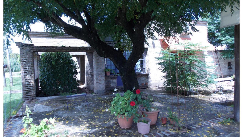 Pasteur 190, 1 casa en construcción y dos terrenos en Cañuelas