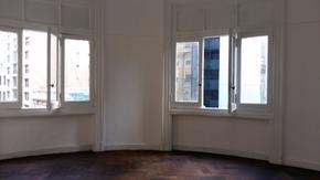 Oficina muy luminosa - A la calle  - Capital Federal