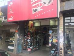 Importante Local Comercial Sobre Calle Alvear