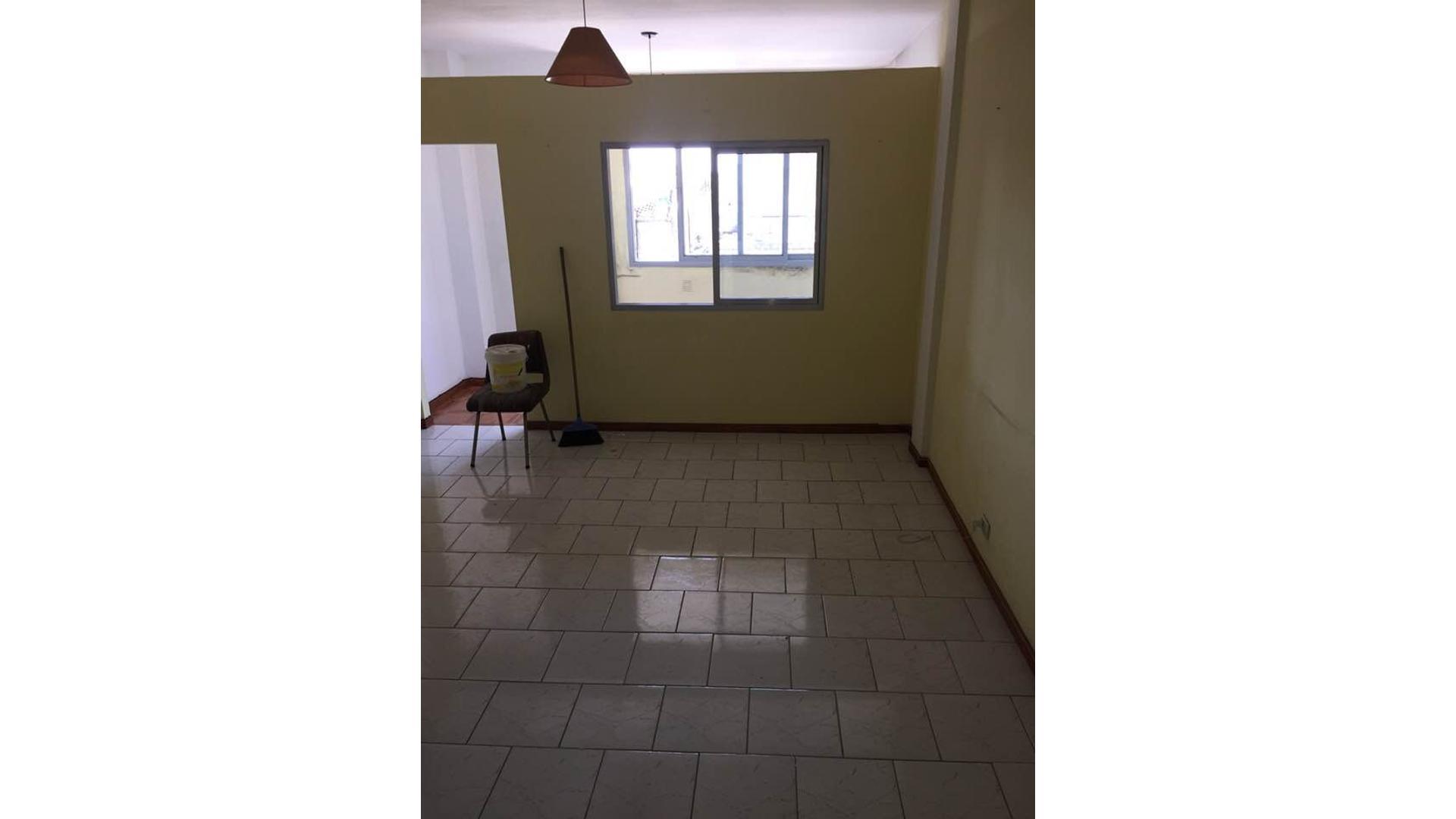 Hermoso departamento de 2 ambientes ubicado en un 3er piso por escalera, a metros de V. Sarsfield