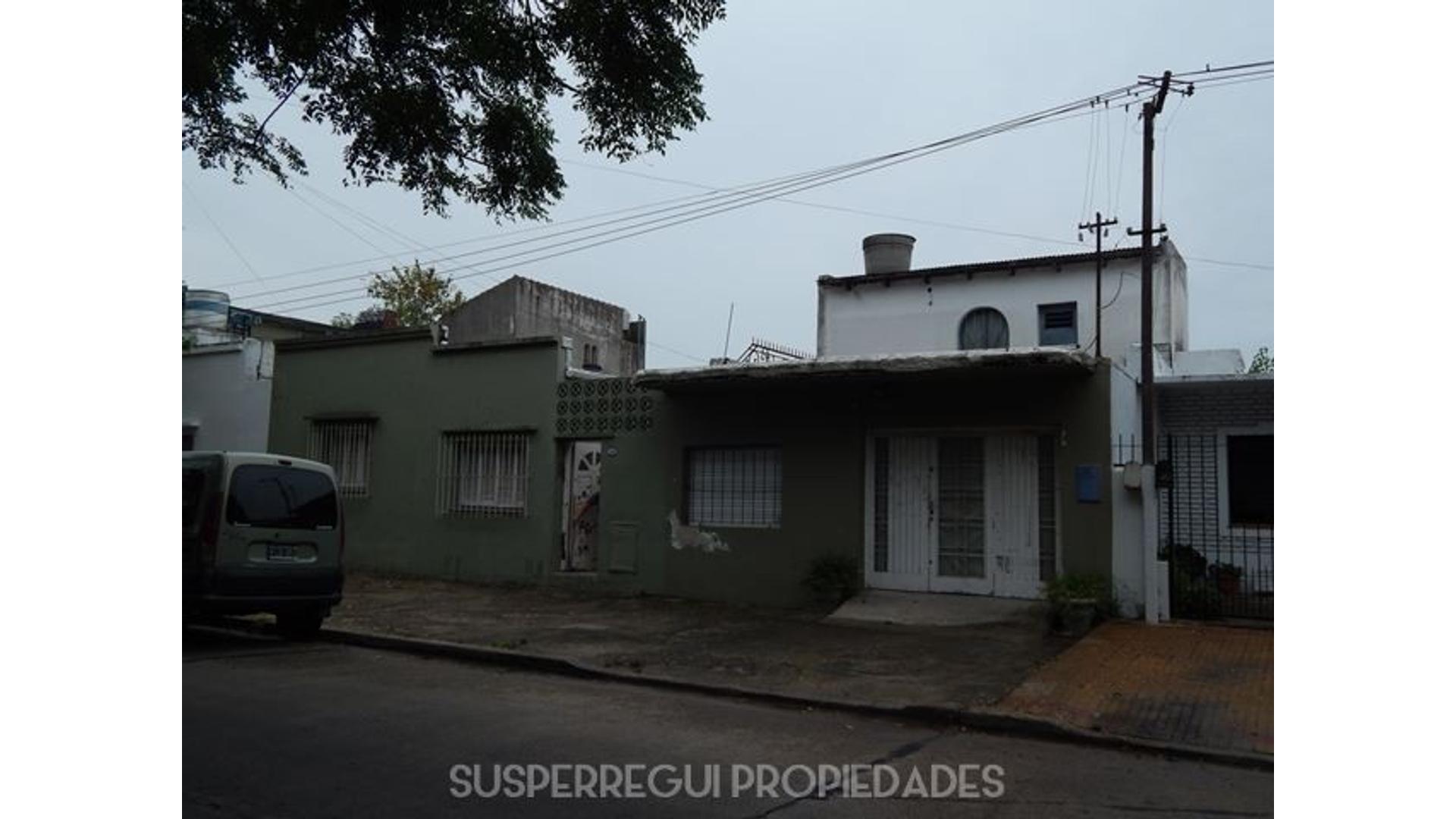 Casa de 2 Dormitorios con Lote Propio de 135 m2 en Calle 68 e/ 29 y 30 La Plata