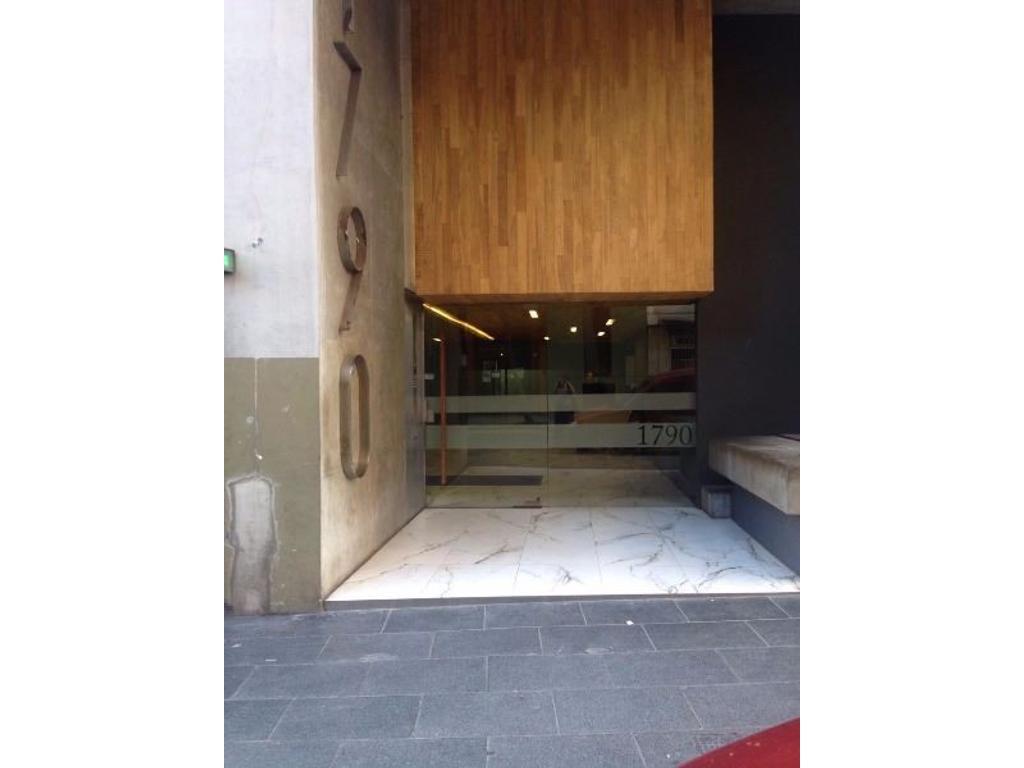 Cochera fija cubierta en venta en Centro Monserrat