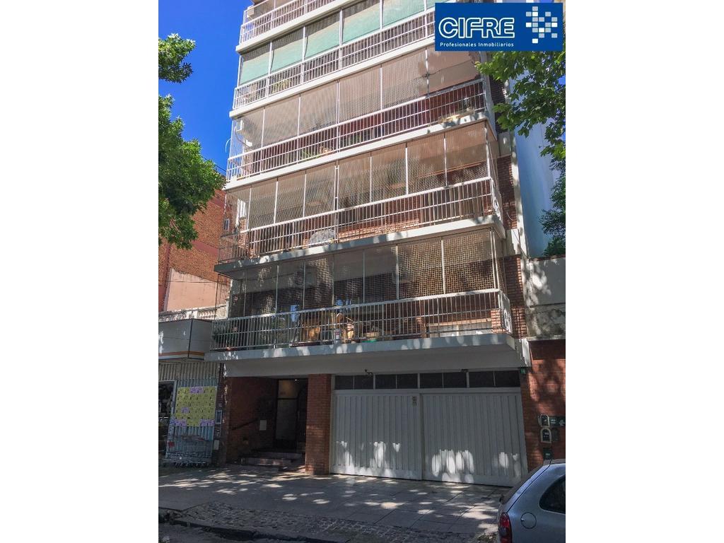 DEPARTAMENTO DE 4 AMB.,BAÑO Y TOILETTE,BALCON CORRIDO. (SUC. V. URQUIZA 4521-3333)