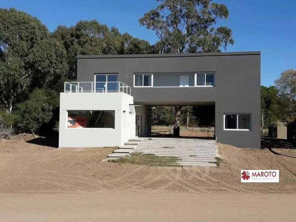 Costa Esmeralda - Casa en venta en barrio Golf 2