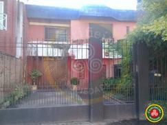 Casa en 2 Plantas - 3 Dormitorios - Garage - Piscina - PARQUE libre !!
