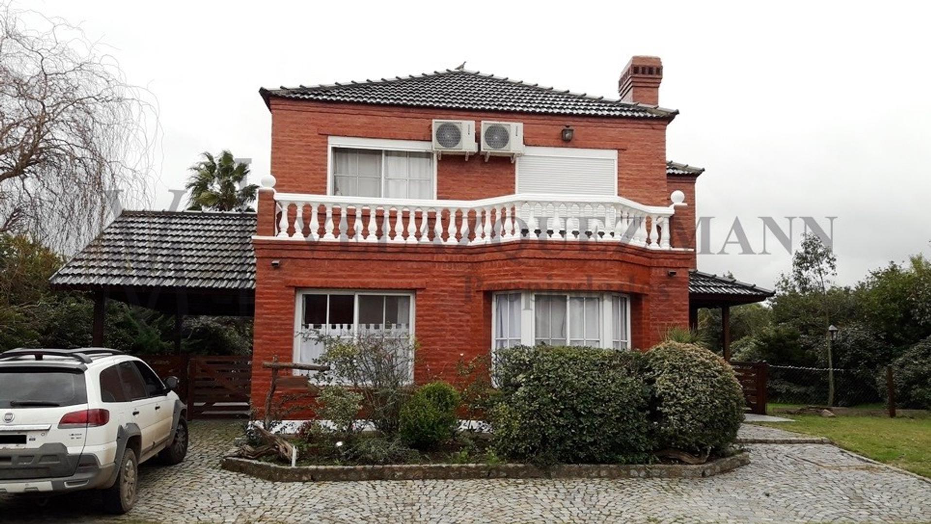 Casa en Venta; Excelente ubicación