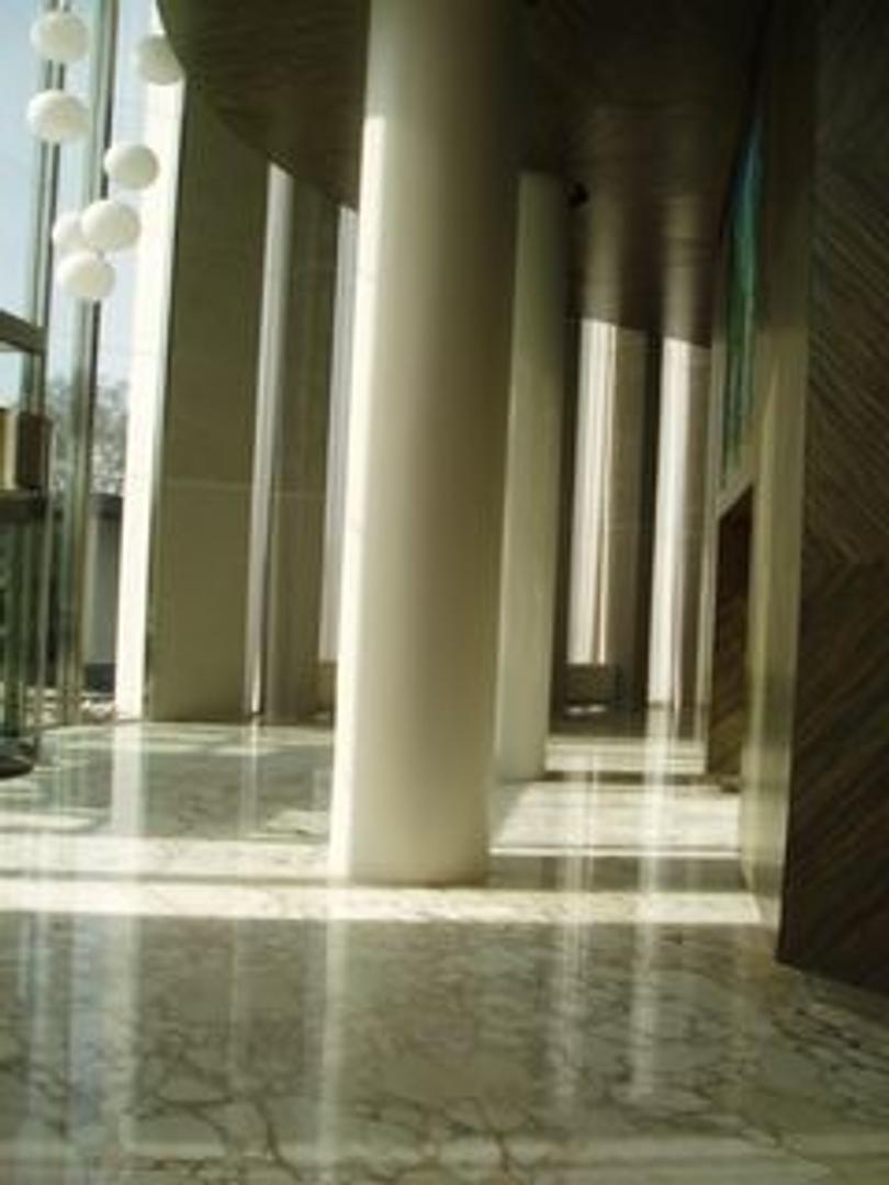 Excelente piso en Torre Renoir en venta