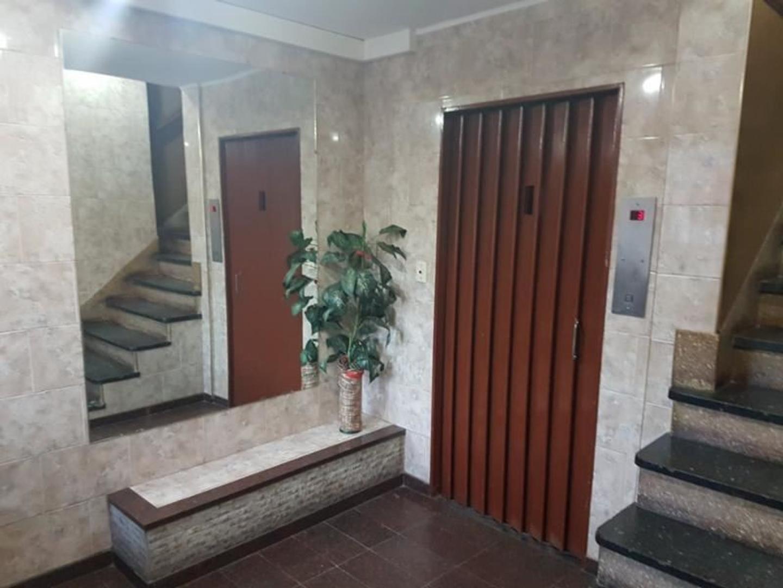 Departamento en Venta en Lomas Del Mirador - 3 ambientes