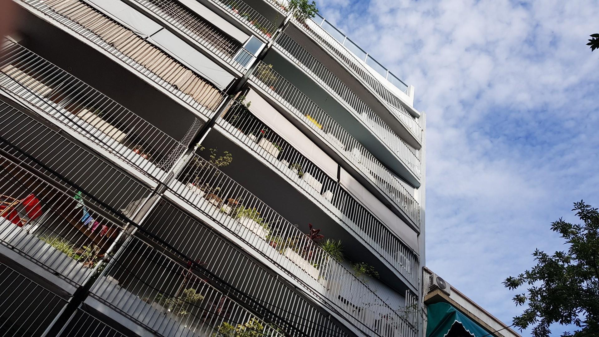 Departamento 2 ambientes en duplex - cochera fija-en Venta con Piscina