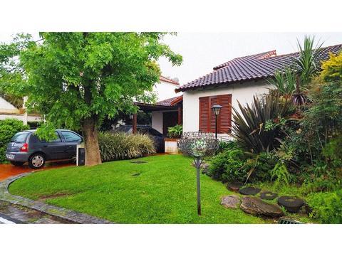 Casa en alquiler en aranjuez country club escobar for Inmobiliaria 2b aranjuez