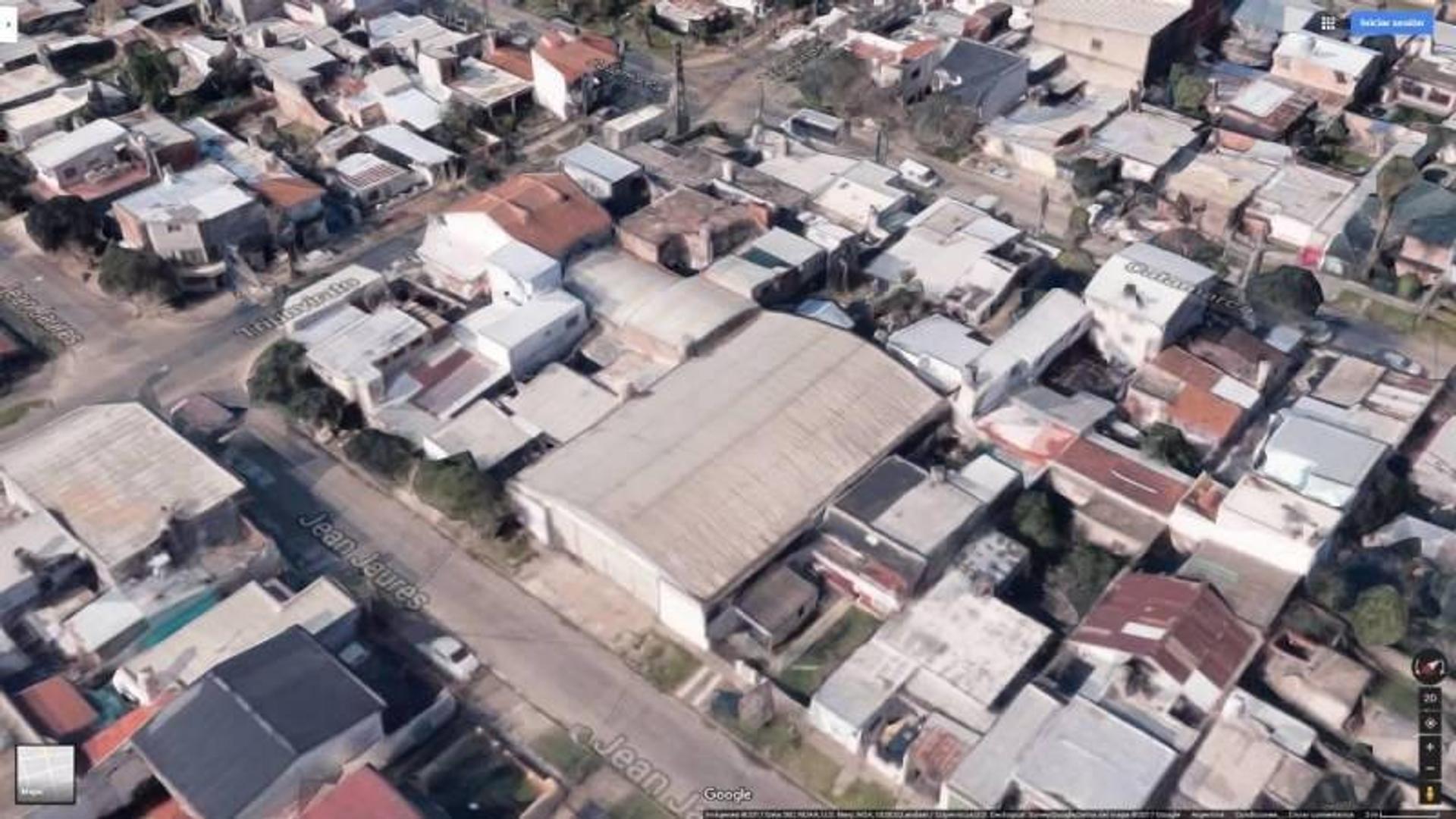 Importante Galpón de 600 M2 a solo 800 metros de la autopista Panamericana y Av. Angel T. de Alvear