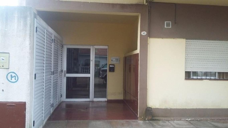 DEPARTAMENTO CÉNTRICO CON COCHERA - CALLE 75 N° 315 PB 1