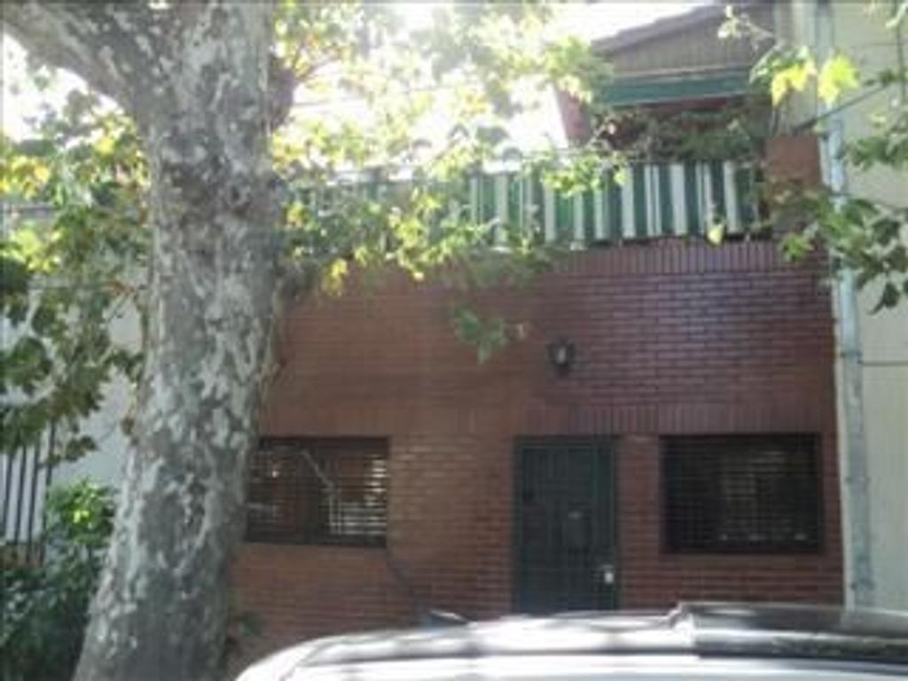 Casa en venta en san pedro 5500 mataderos argenprop for Casa de azulejos en capital federal