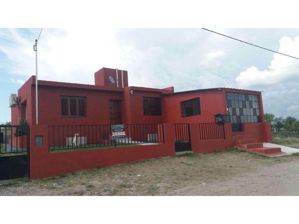 Casa en venta en cha ar villa giardino inmuebles clar n for Terrenos en villa giardino