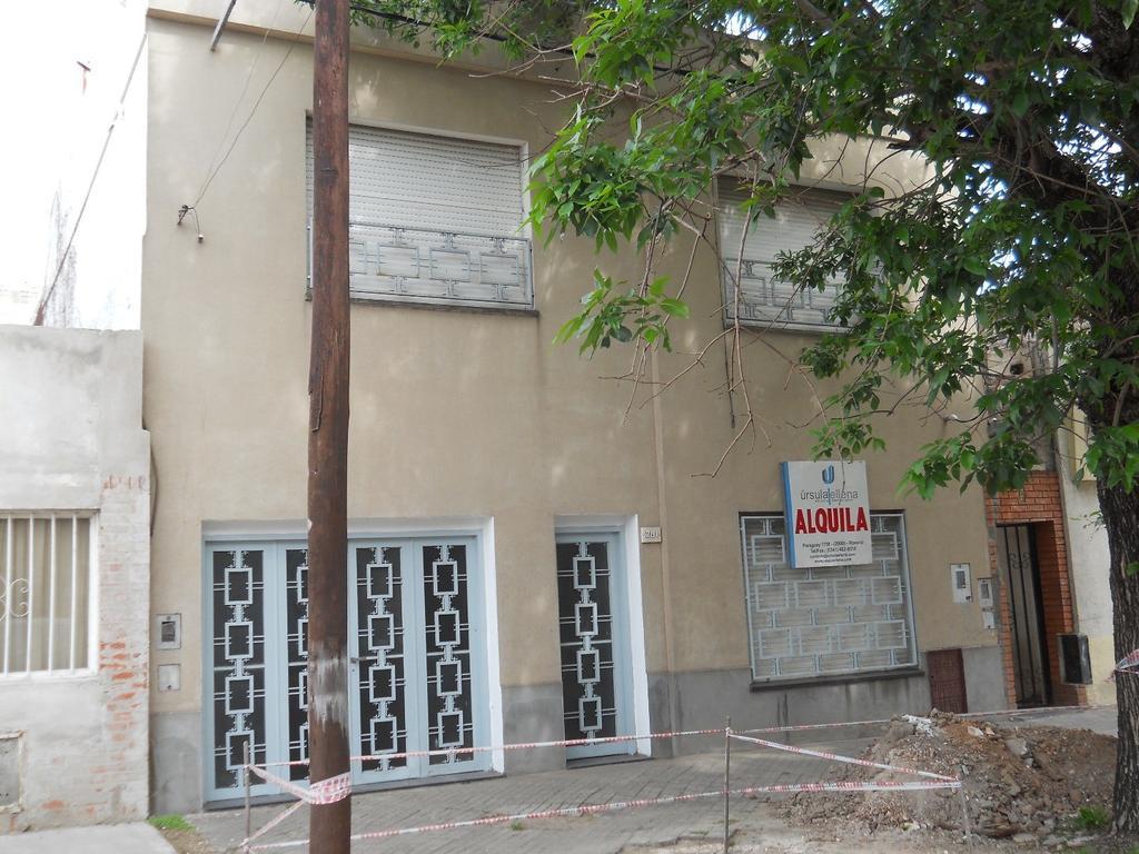 Casa 3 dormitorios con cochera Velez Sarfield 1500