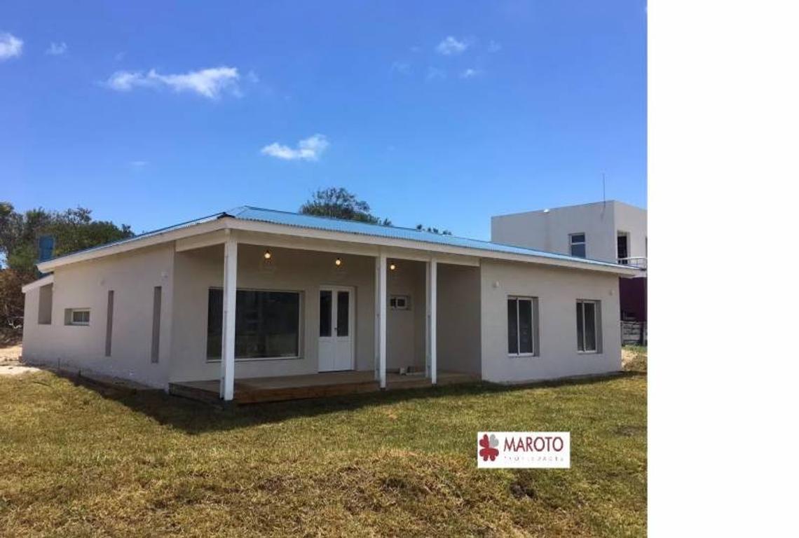 Costa Esmeralda - Casa en venta en barrio Senderos