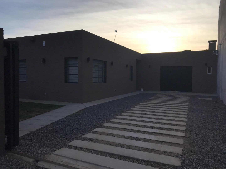 Casa en Venta en Cañuelas - 3 ambientes