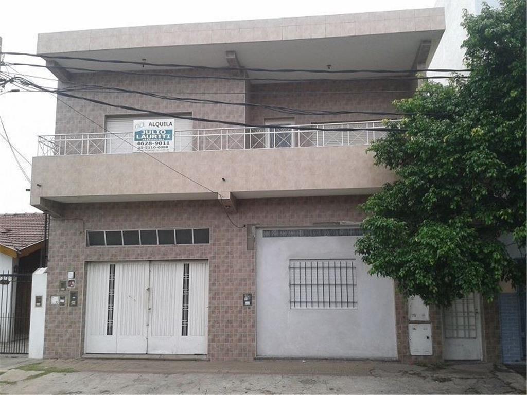 Departamento tipo casa en alquiler en Juan Agustin Maza 758 - Moron ...