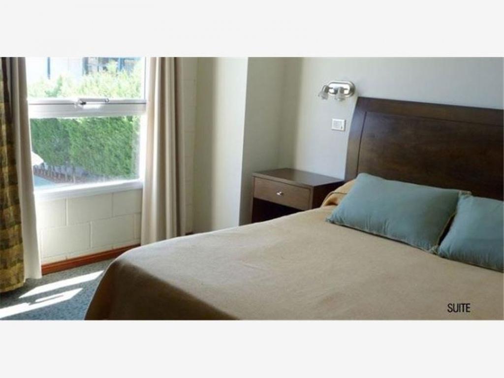 Hotel 46 hab. + 21 apart 3* superior