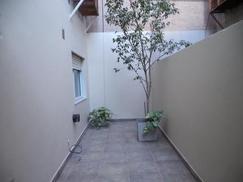Hermoso dpto PB tipo Casa 2A LC Coc integ 1D c/placard estufa baño compl lav cub patio