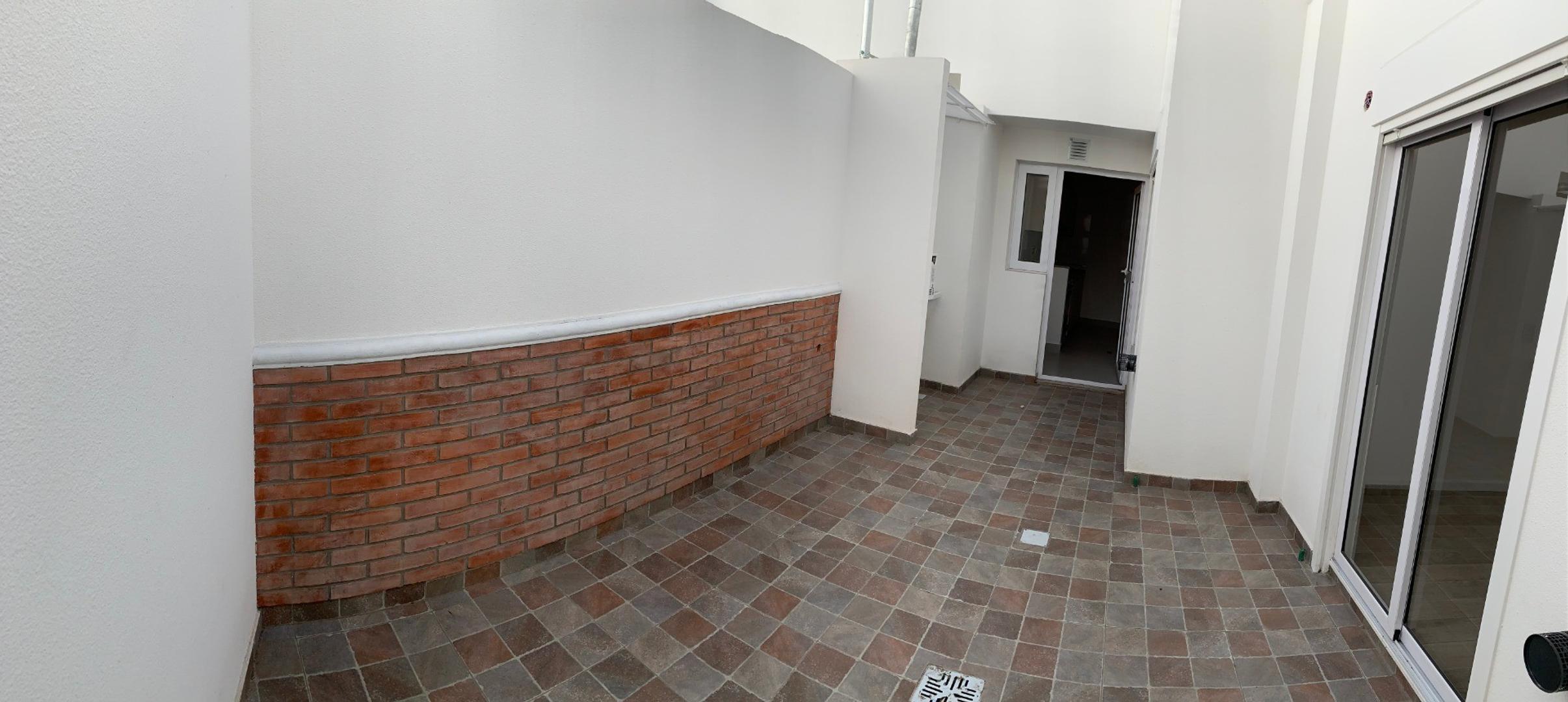 Departamento tipo casa, 3 ambientes con cochera, patio y terraza! SIN COMISIÓN  - Foto 15