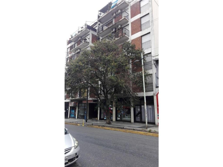 *RESERVADO* DEPARTAMENTO 3 AMB + DEPENDENCIA DE SERVICIO AL FRENTE CON BALCÓN CORRIDO- VENTA DIRECTA