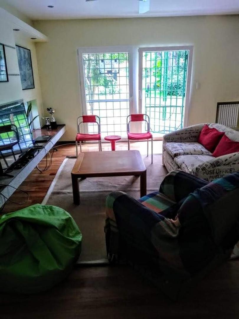 Casa - 340 m²   3 dormitorios   20 años
