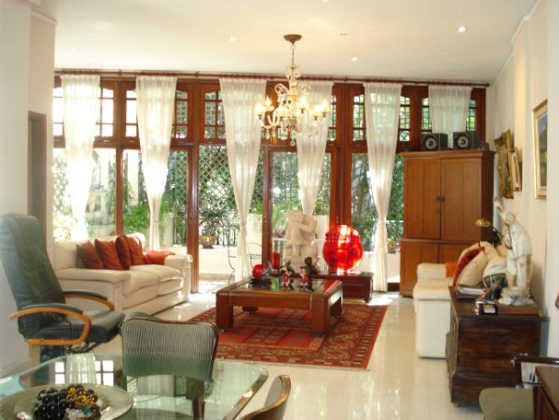 Casa de 4 dormitorios 245 mts²