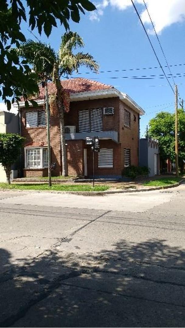 Casa en Venta en Quilmes - 4 ambientes