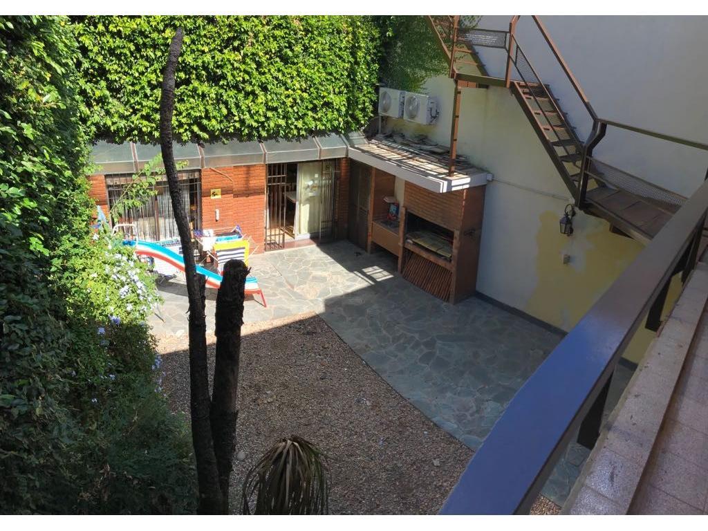 Arengreen al 800 - Casa 5 Ambientes con Doble Cochera