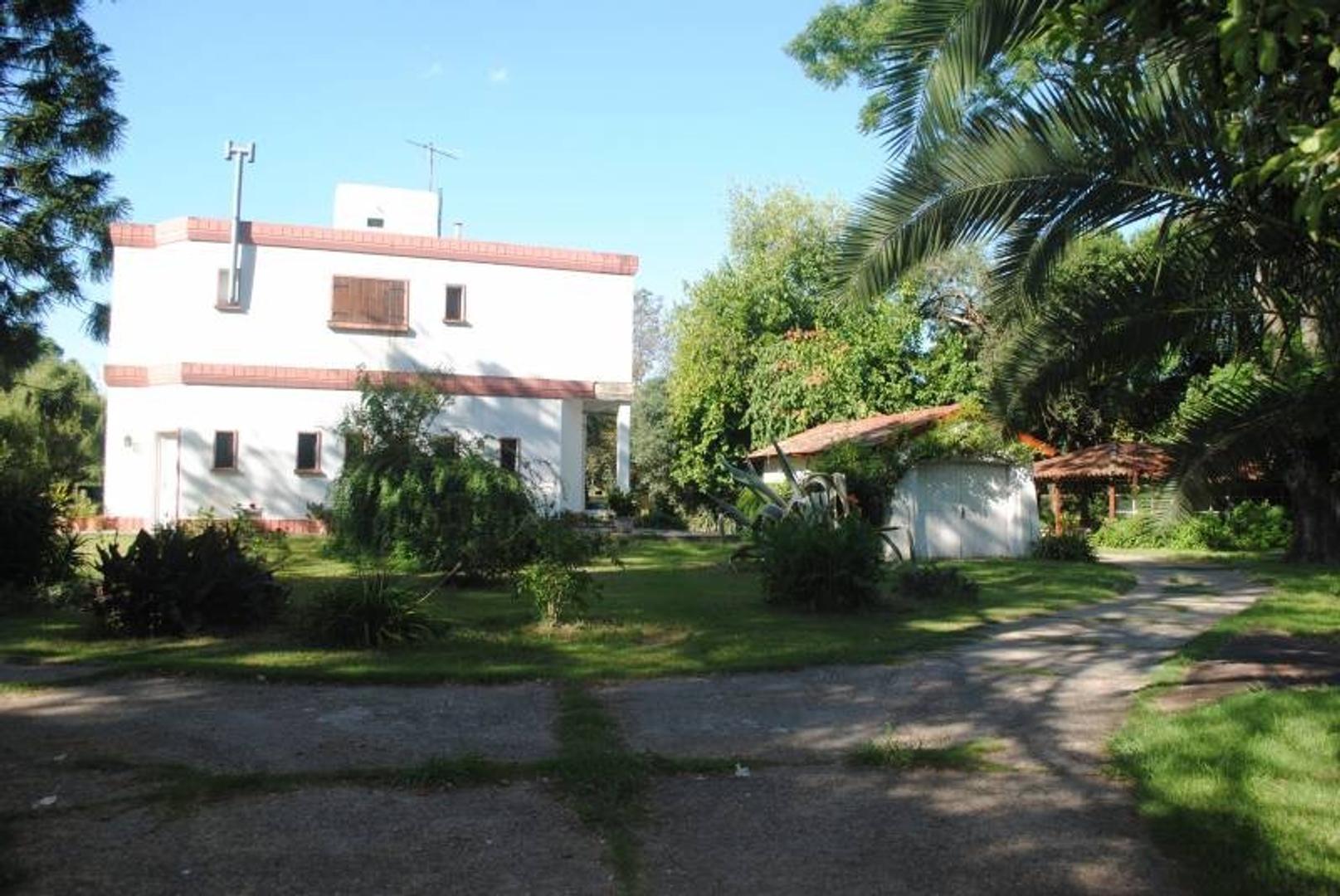 Quinta - 400 m² | 6 dormitorios | 4 baños