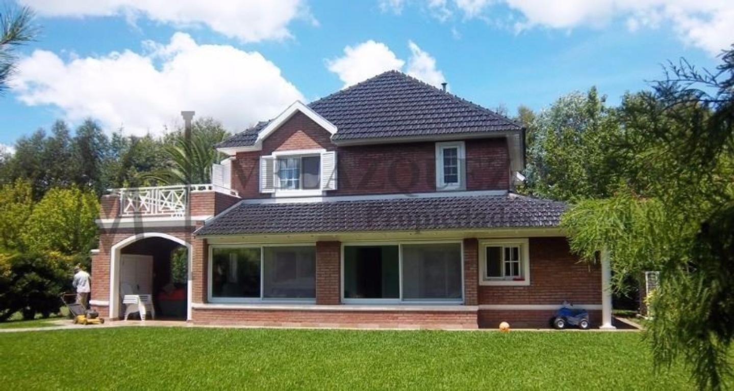 Excelente Casa en Solar del Bosque