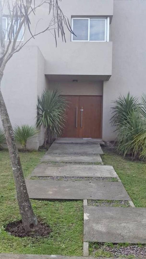 Casa en venta con inmejorable ubicación en Los Alisos , Nordelta