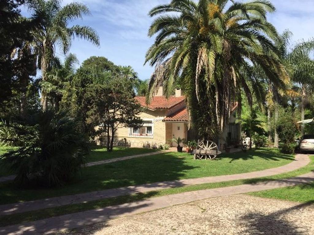 HERMOSA CASAQUINTA CON INCREIBLE PARQUE DE MÁS DE 3000 m2