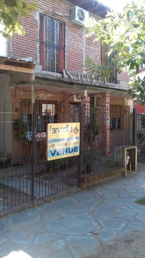 Casa en Venta en Paso Del Rey - 6 ambientes