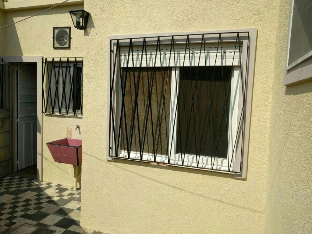 Depto PB fondo, MUY BUEN ESTADO, 1 Dormitorio cocina, living / comedor, patio con galpon, J.L.Suarez