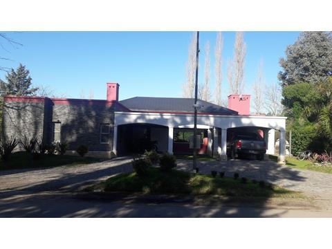 VENTA - IMPORTANTE CASA EN GOLF CHASCOMUS COUNTRY CLUB