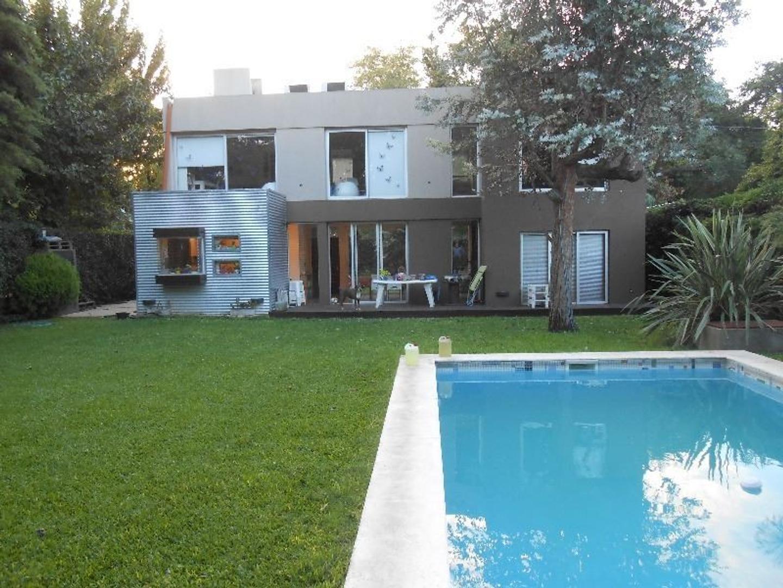 Casa en venta , 4 ambientes, Parque Leloir